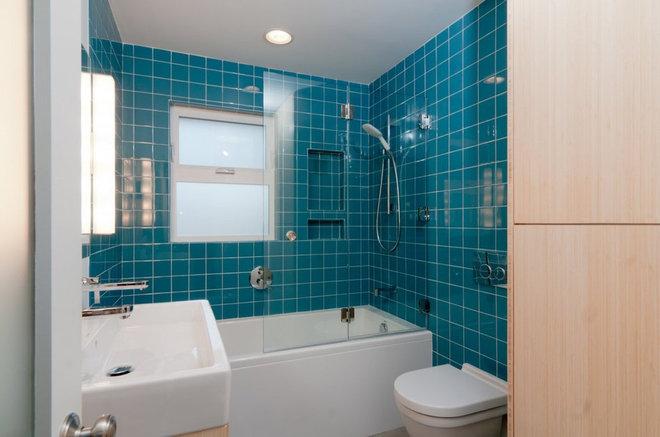 Midcentury Bathroom by Sawhorse Design & Build