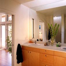 Contemporary Bathroom by Jacobson, Silverstein, Winslow / Degenhardt