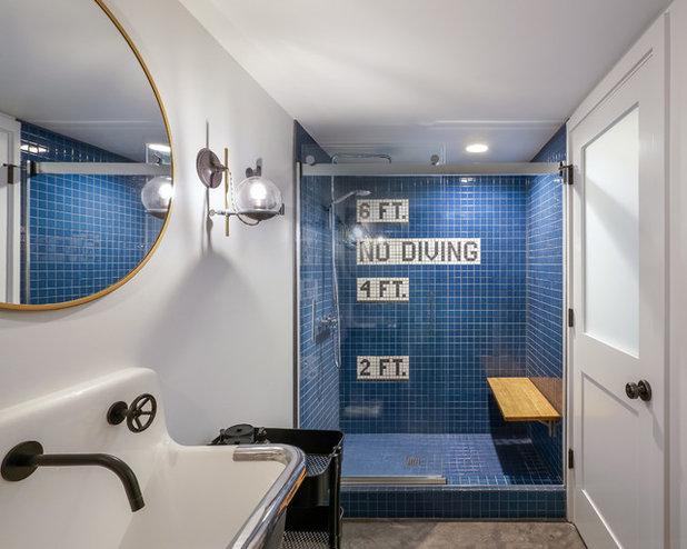 Industrial Bathroom by m.o.daby design