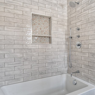 Bathtub/Shower Combo with Tiled Niche