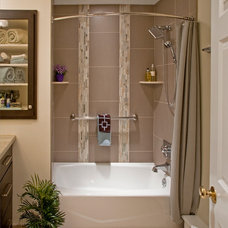 Contemporary Bathroom by Harth Builders