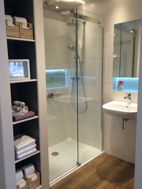 10x10 bathroom design ideas remodels photos with glass for 10x10 bathroom ideas
