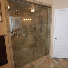 Traditional Bathroom by Greaves Construction Inc.
