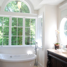 Traditional Bathroom by Hansen Architects