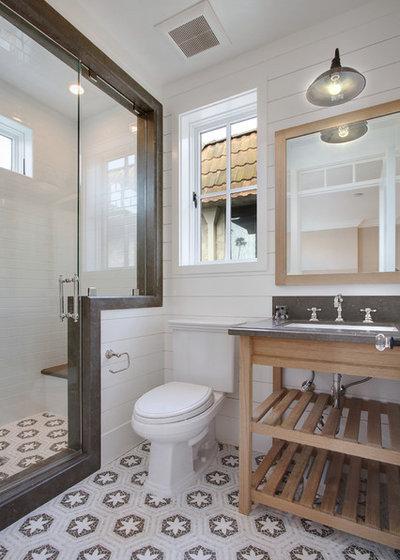 Beach Style Bathroom by Brandon Architects, Inc.