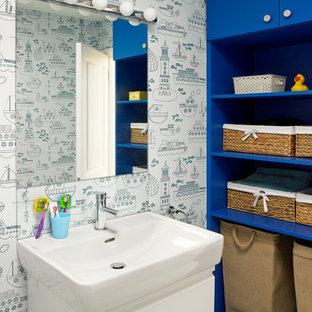 Ejemplo de cuarto de baño infantil, actual, con lavabo tipo consola