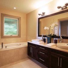 Modern Bathroom by Sunshine Coast Home Design