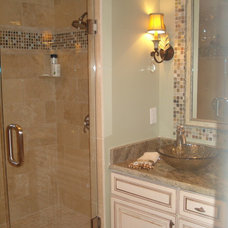 Beach Style Bathroom by Design Loft Interiors