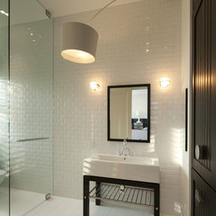 modern bathroom by David De La Garza / ZURDODGS