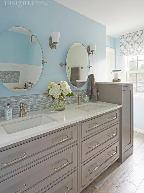 Beach style bathroom design ideas renovations photos for Bath remodel gurnee