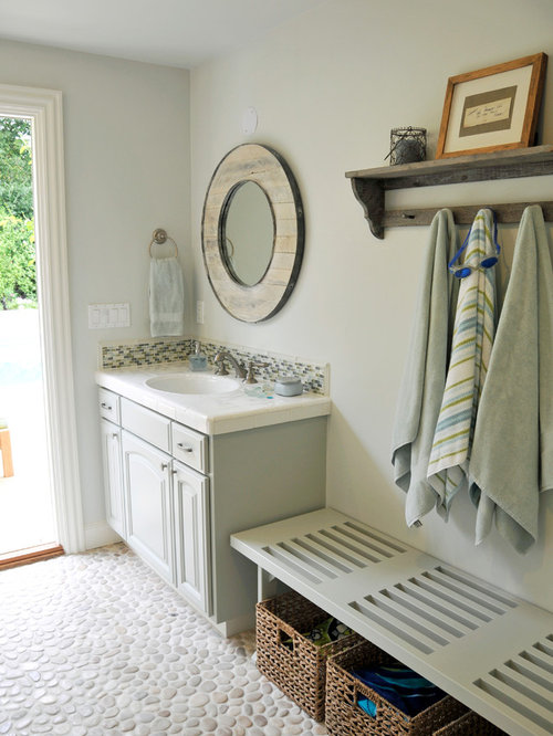 Pool bath houzz for Pool house with bathroom cost