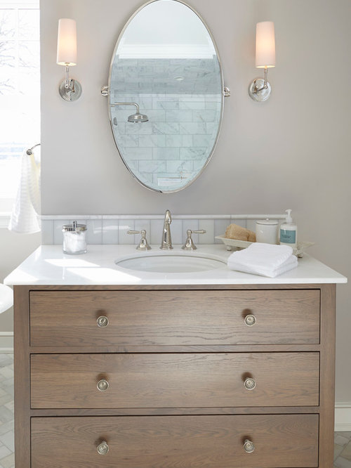 Beach Style Bathroom Design Ideas Renovations Photos With Medium Wood Cabinets