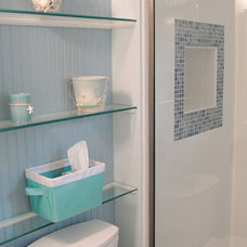Beach Style Bathroom by Daniels Design & Remodeling