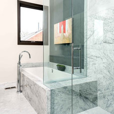 Contemporary Bathroom by nikki