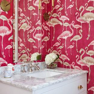 Ispirazione per una stanza da bagno per bambini chic con consolle stile comò, ante bianche, vasca ad alcova, vasca/doccia, WC monopezzo, pareti rosa, pavimento con piastrelle a mosaico, lavabo sottopiano, top in quarzite, pavimento bianco e doccia con tenda