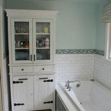Beach Style Bathroom by Tara Veith Design, LLC