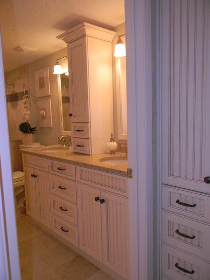 Tropical Bathroom by Inndesign Inc