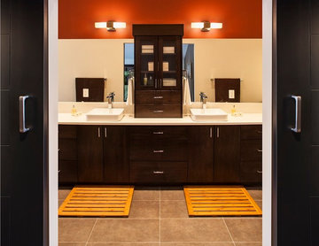 Bearspaw Estate Master Ensuite and Walk in Closet