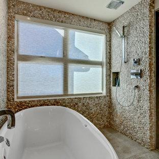 Idee per una grande stanza da bagno padronale country con ante lisce, doccia a filo pavimento, piastrelle grigie, pavimento in cementine, top in cemento, pavimento grigio, doccia aperta e top grigio