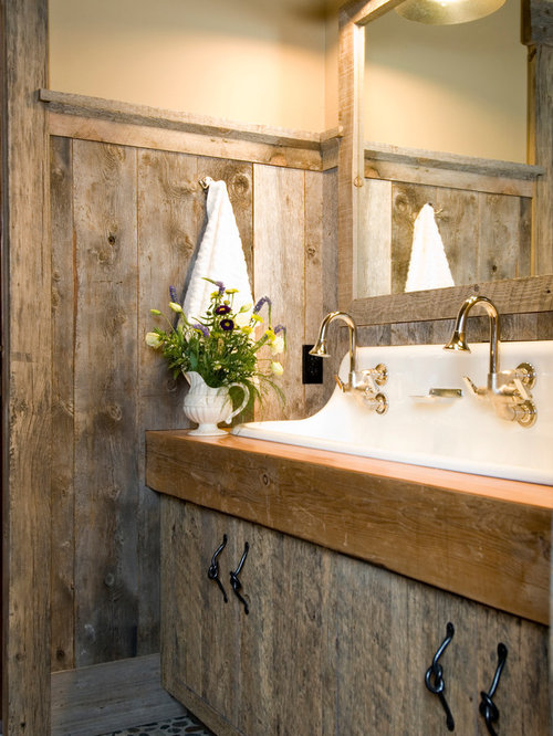 Barnwood bathroom home design ideas pictures remodel and for Barnwood decor