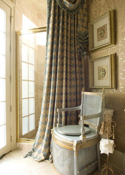 Классический Ванная комната by Knotting Hill Interiors