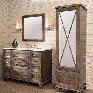 Idéer för ett mellanstort klassiskt vit badrum med dusch, med ett undermonterad handfat, skåp i mellenmörkt trä, bänkskiva i akrylsten, beige väggar, korkgolv, beige kakel, brunt golv och möbel-liknande