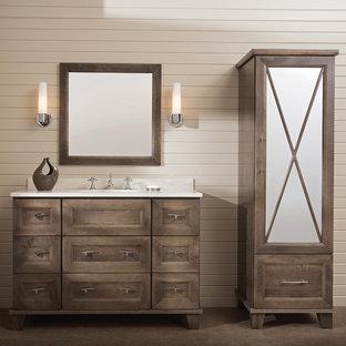 Esempio di una stanza da bagno padronale chic di medie dimensioni con lavabo sottopiano, ante in legno scuro, top in superficie solida, pareti beige, piastrelle beige, pavimento in sughero, pavimento marrone, top bianco e consolle stile comò
