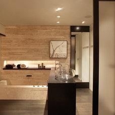 Modern Bathroom by Horst Architects