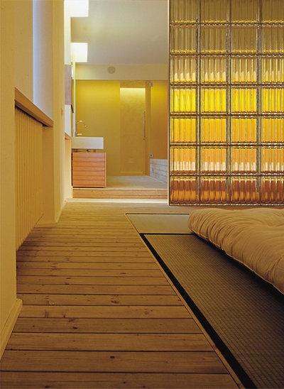 モダン 浴室 by Innovate Building Solutions