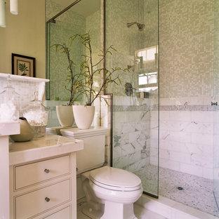Idéer för vintage badrum, med mosaik