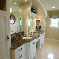 Mediterranean Bathroom by Barenz Builders