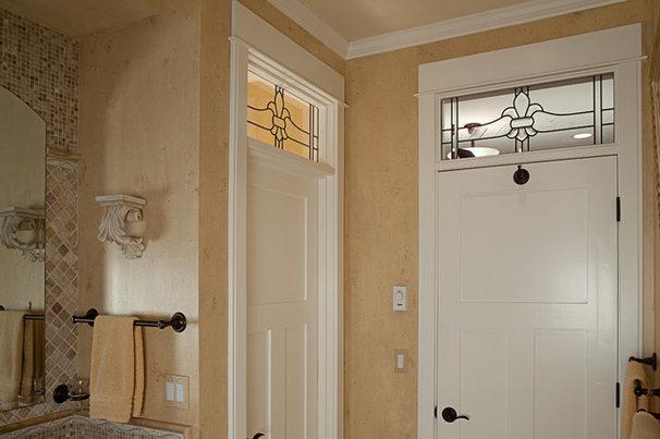 Traditional Bathroom by Provanti Designs, Inc