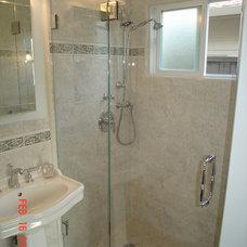 Bathroom by Supple Homes, Inc