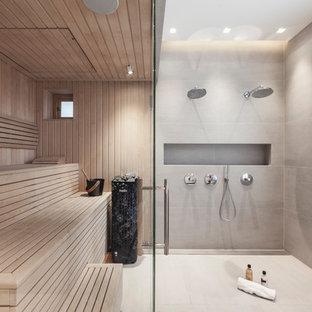Idee per una sauna contemporanea di medie dimensioni con zona vasca/doccia separata e porta doccia a battente