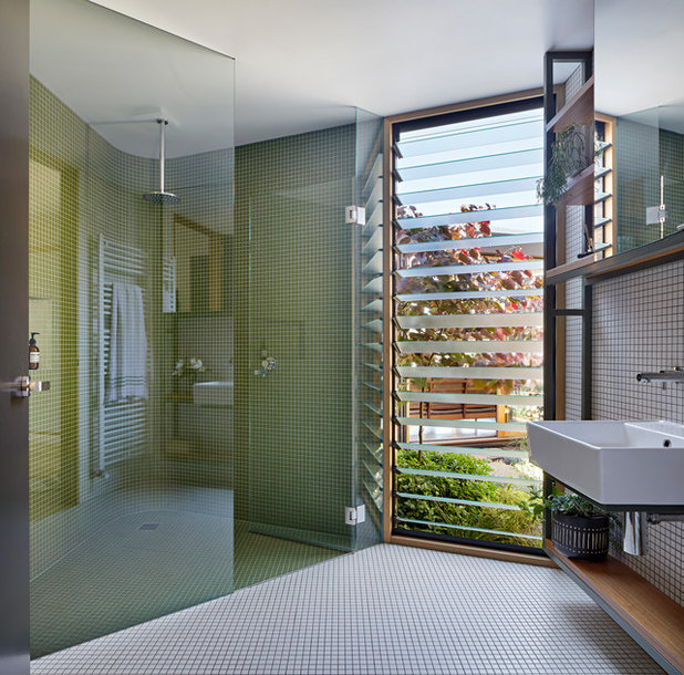 Bathroom by BENT Architecture