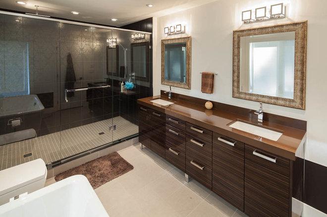 Modern Bathroom by Katerina Vallianatos