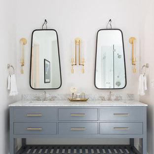 Esempio di una stanza da bagno padronale tradizionale con ante lisce, pareti bianche, pavimento in gres porcellanato, lavabo sottopiano, top in marmo, pavimento multicolore, ante grigie e top grigio