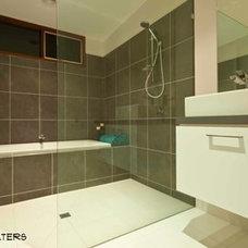 Contemporary Bathroom by Bespoke Architects Pty Ltd