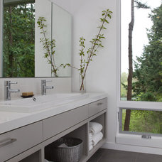 Contemporary Bathroom by Studio Sarah Willmer
