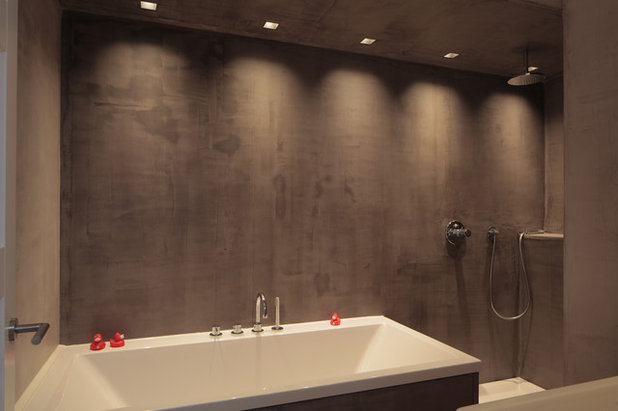 Contemporary Bathroom by Joost Woertman Architect
