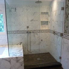 Traditional Bathroom by Elite Remodeling & Construction