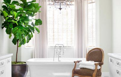 The Elegant Look of Draperies in the Bathroom