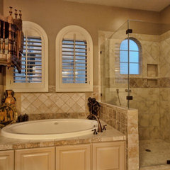 mediterranean bathroom by Sendero Homes