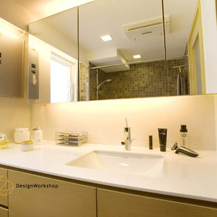 Bathroom - modern bathroom idea in Hong Kong