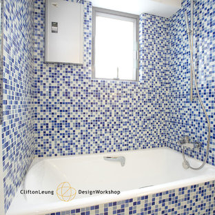 Inspiration for a modern bathroom remodel in Hong Kong