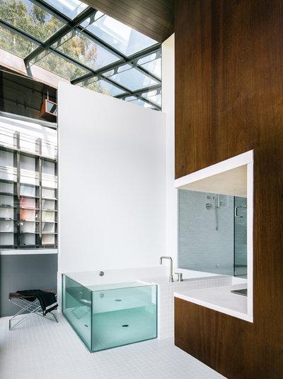 Contemporary Bathroom by Fougeron Architecture FAIA