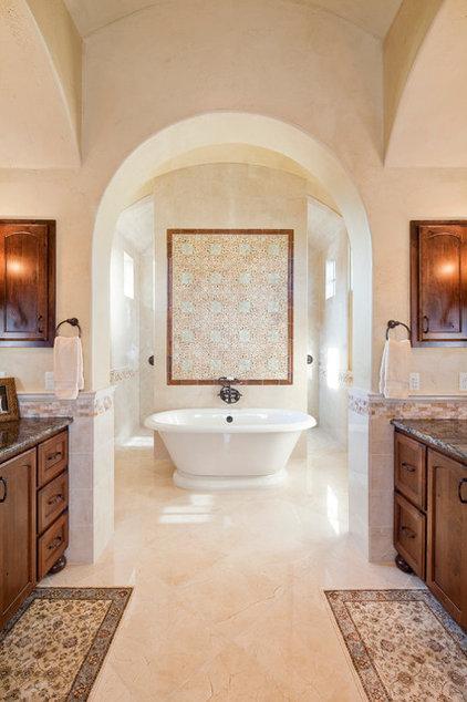 Mediterranean Bathroom by Sendero Homes