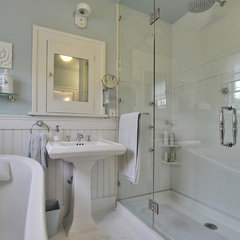 traditional bathroom by Bilton Design Group