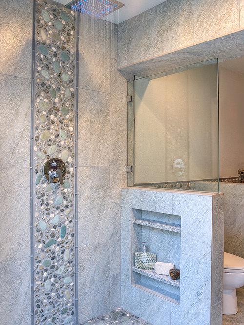 salle de bain petit budget avec une plaque de galets photos et id es d co de salles de bain. Black Bedroom Furniture Sets. Home Design Ideas