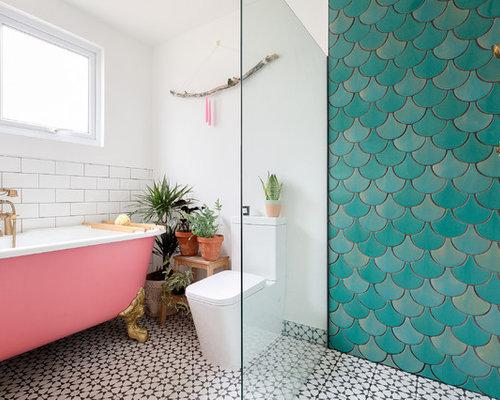 Kleines Modernes Badezimmer Mit Grünen Fliesen, Keramikfliesen, Weißer  Wandfarbe, Zementfliesen, Löwenfuß